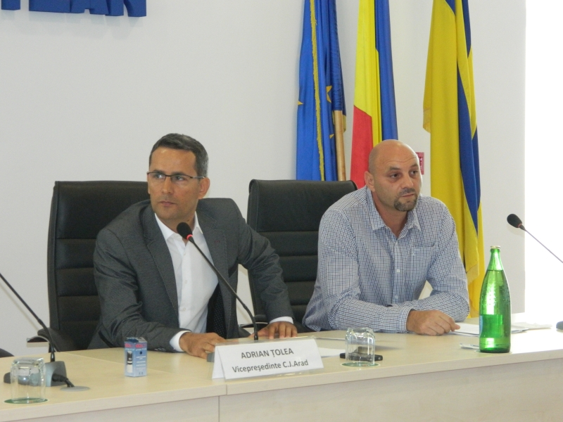 Adrian Ţolea, vicepreşedintele Consiliului Judeţean Arad, a preluat, sâmbătă, 1 august 2015 atribuţiile de preşedinte