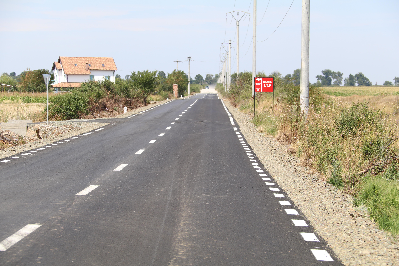 Modernizări, reparaţii şi toaletări pe drumurile judeţene