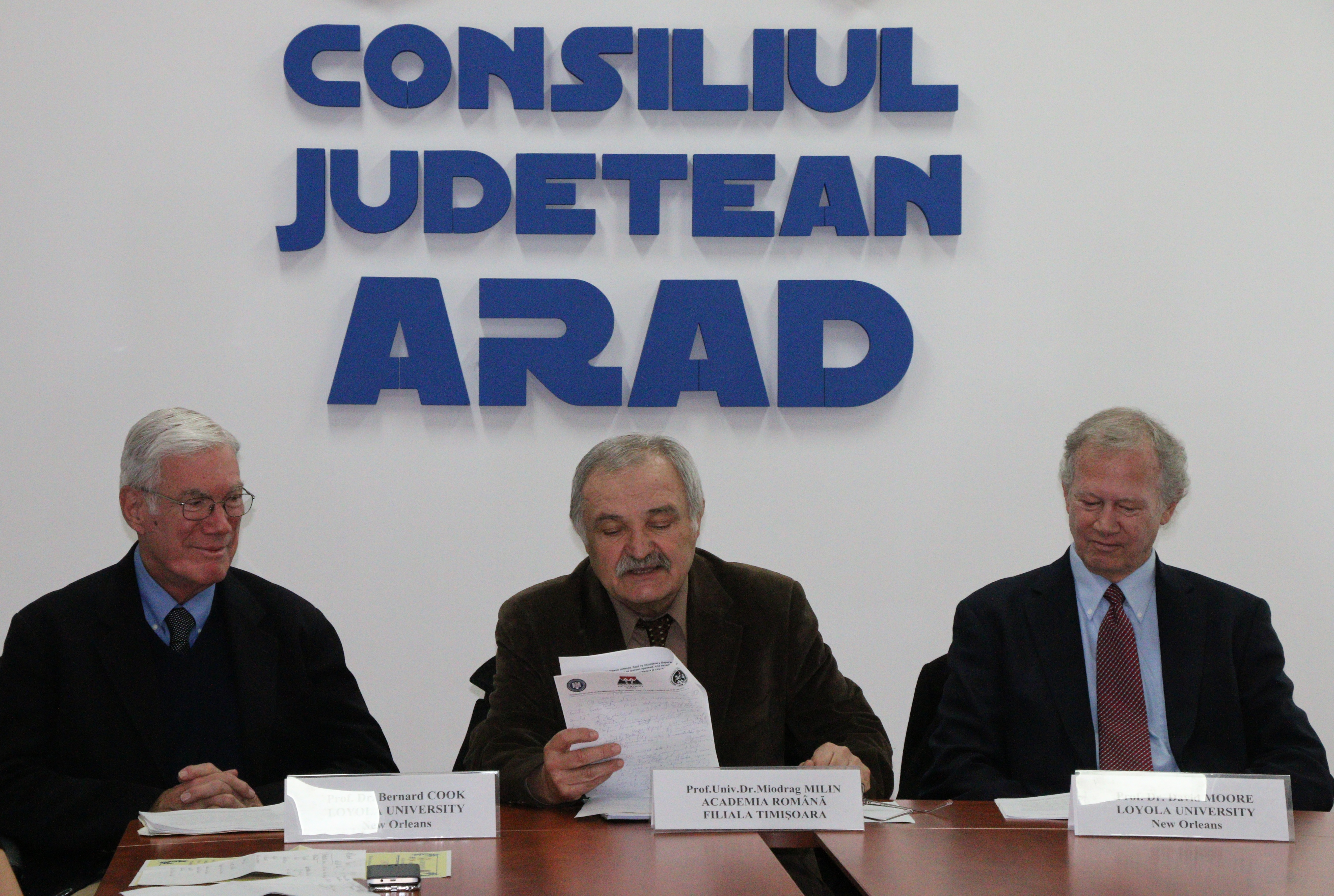 Doi profesori universitari americani despre contextul politic al Marii Uniri, la Consiliul Judeţean Arad