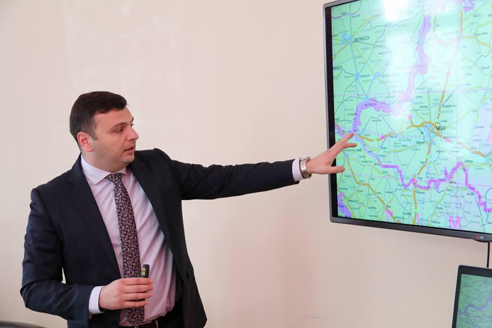 """Sergiu Bîlcea: """"Începe reabilitarea celui mai distrus drum judeţean!"""""""