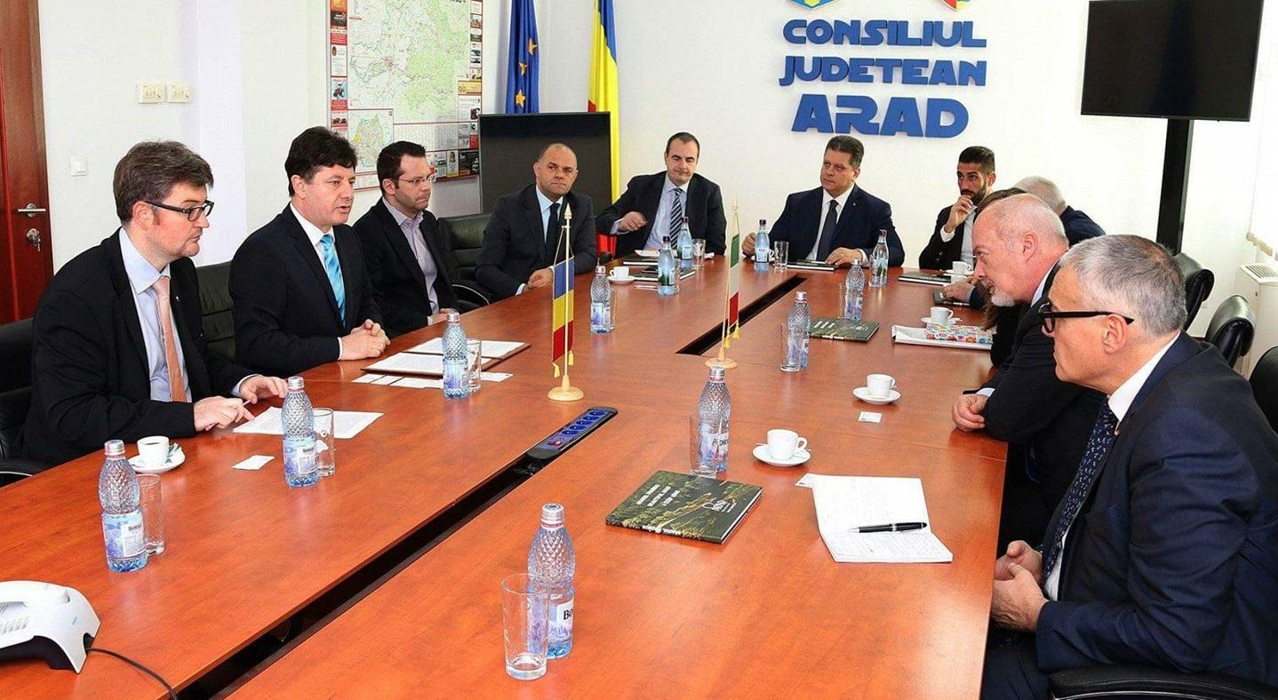"""Iustin Cionca, preşedintele Consiliului Judeţean Arad:  """"Insist  asupra nevoii de parteneriat concret între Arad și comunităţi din Italia"""""""