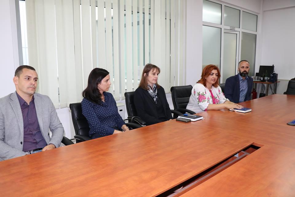 Apel: curăţenie la intrările în Arad!