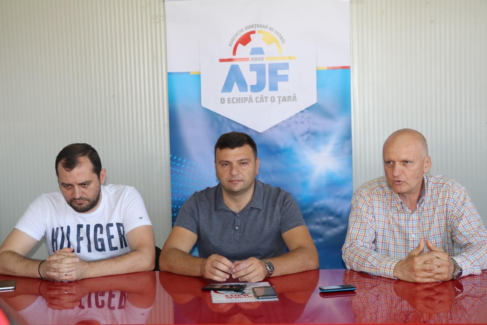 """""""Cupa Aradului"""", o competiţie nouă, rod al colaborării între administraţie şi AJF Arad"""