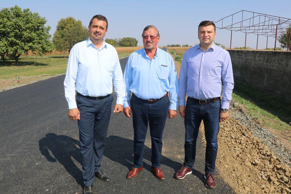 """Vasile Ciceac, consilier județean: """"Acest drum era o necesitate pentru comunitatea din zona Nădlac-Peregu Mare"""""""