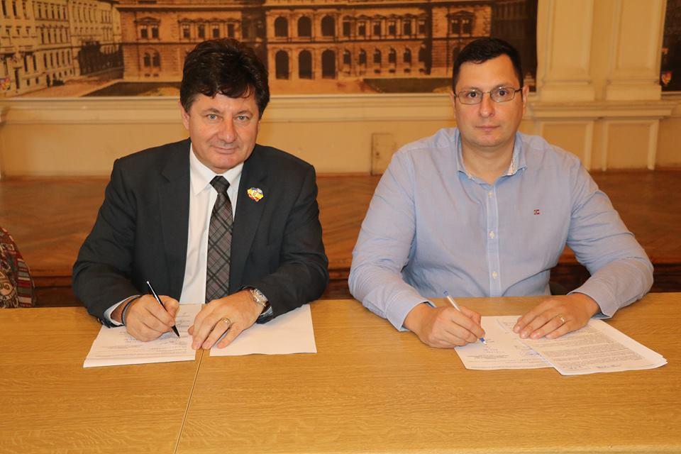 """Iustin Cionca: """"Astăzi am semnat contractul pentru renovarea clădirii istorice de pe Bulevardul Revoluției nr. 81, din Arad"""""""
