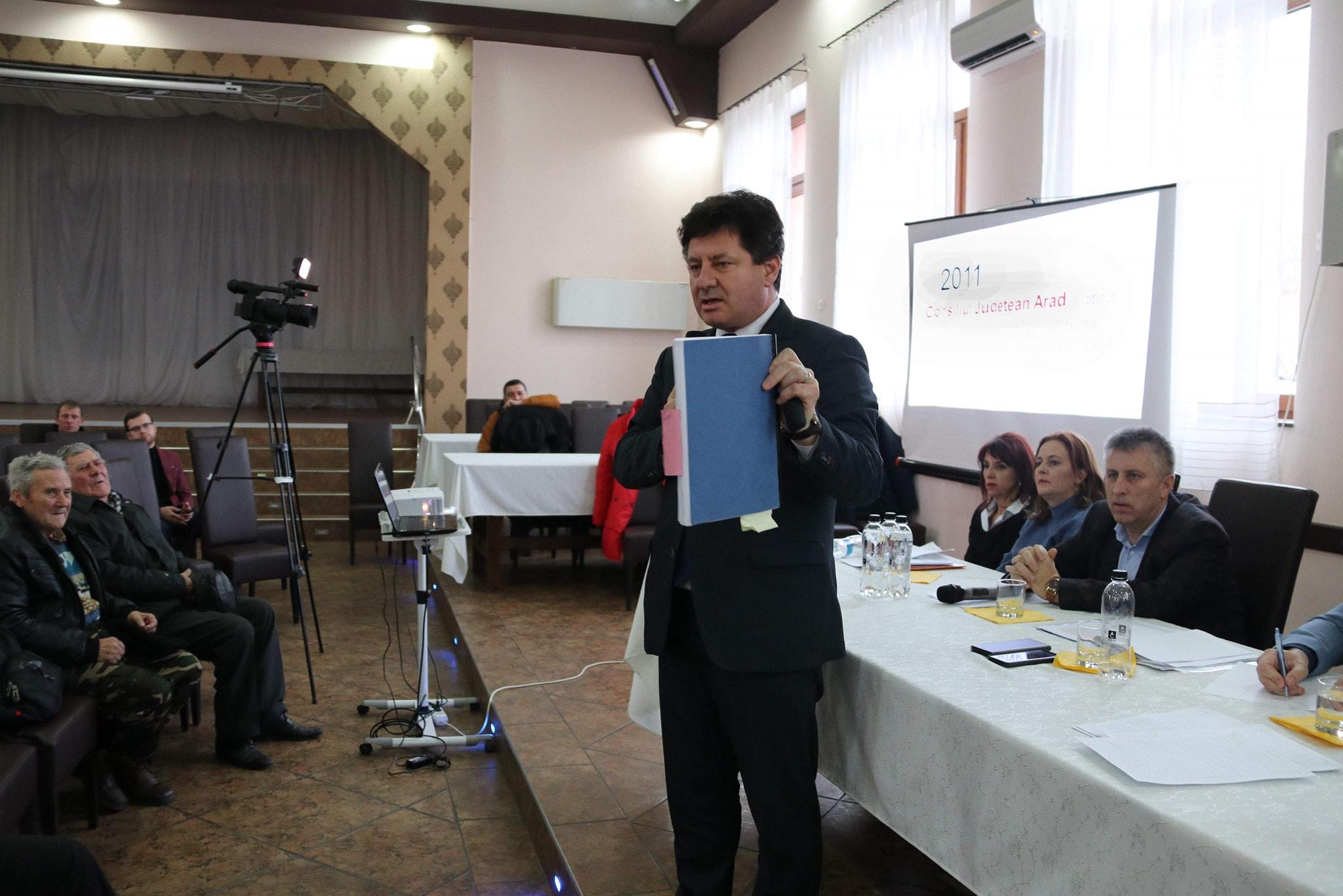 """""""Șmecheria"""" de pe drumul Arad-Șiria este următoarea:  Consiliul Județean vrea o lucrare de calitate, bine făcută, cu o garanție mare!"""