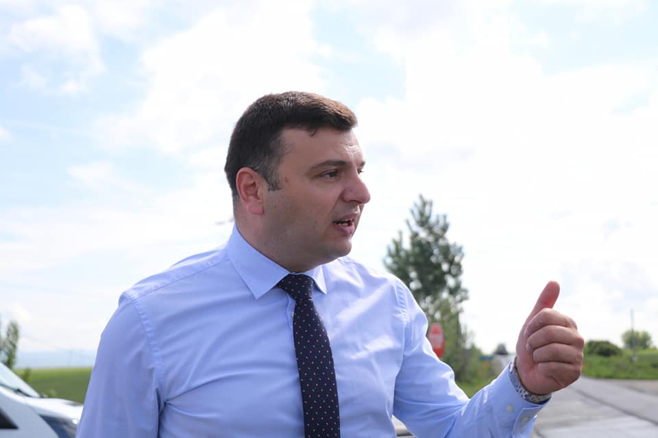 """Sergiu Bîlcea: """"Drumul Neudorf – limită de judeţ Timiş,  finalizat în iunie"""""""