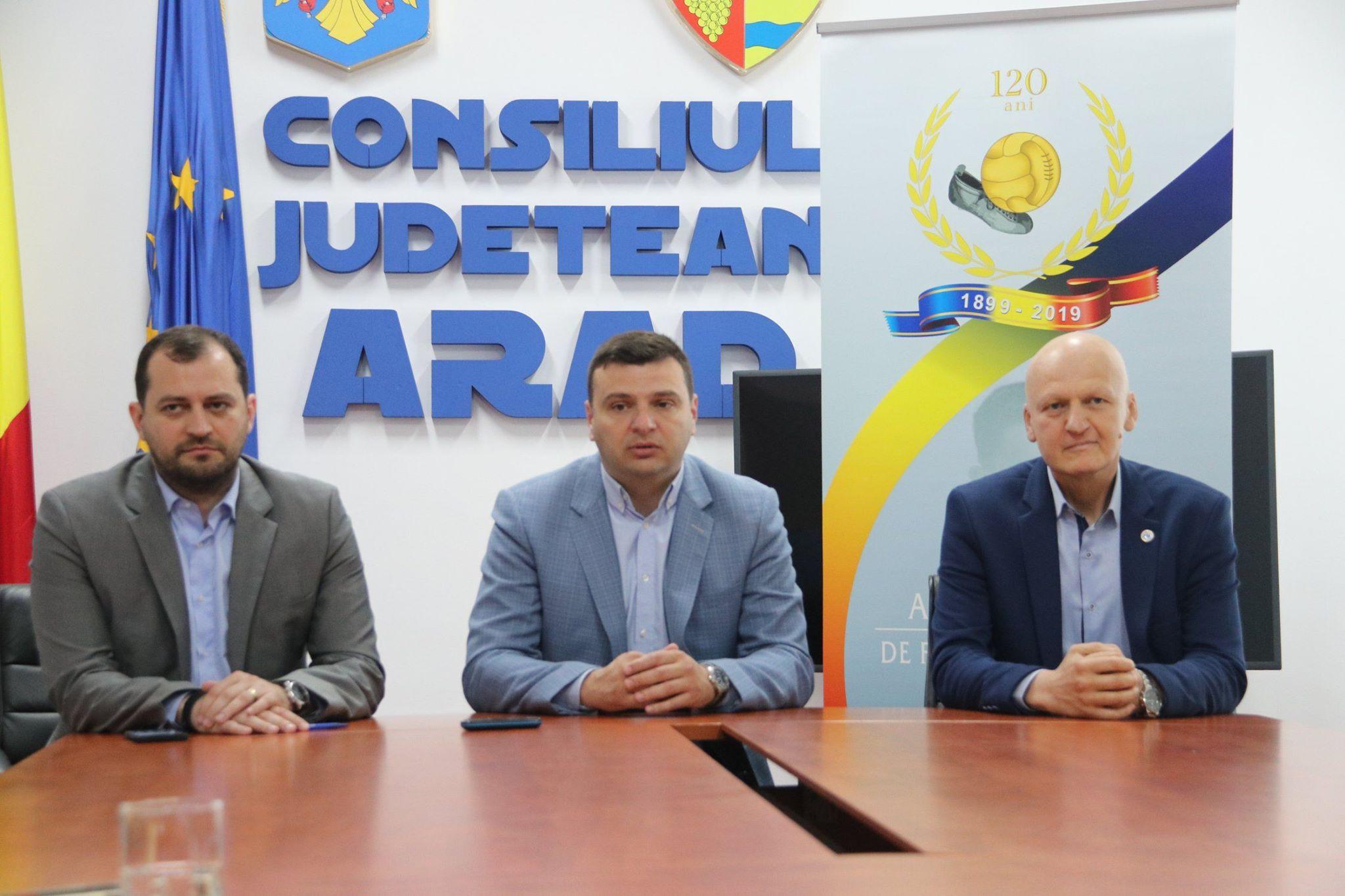 """Sergiu Bîlcea: """"Vă invităm să vă bucuraţi de fotbal"""""""
