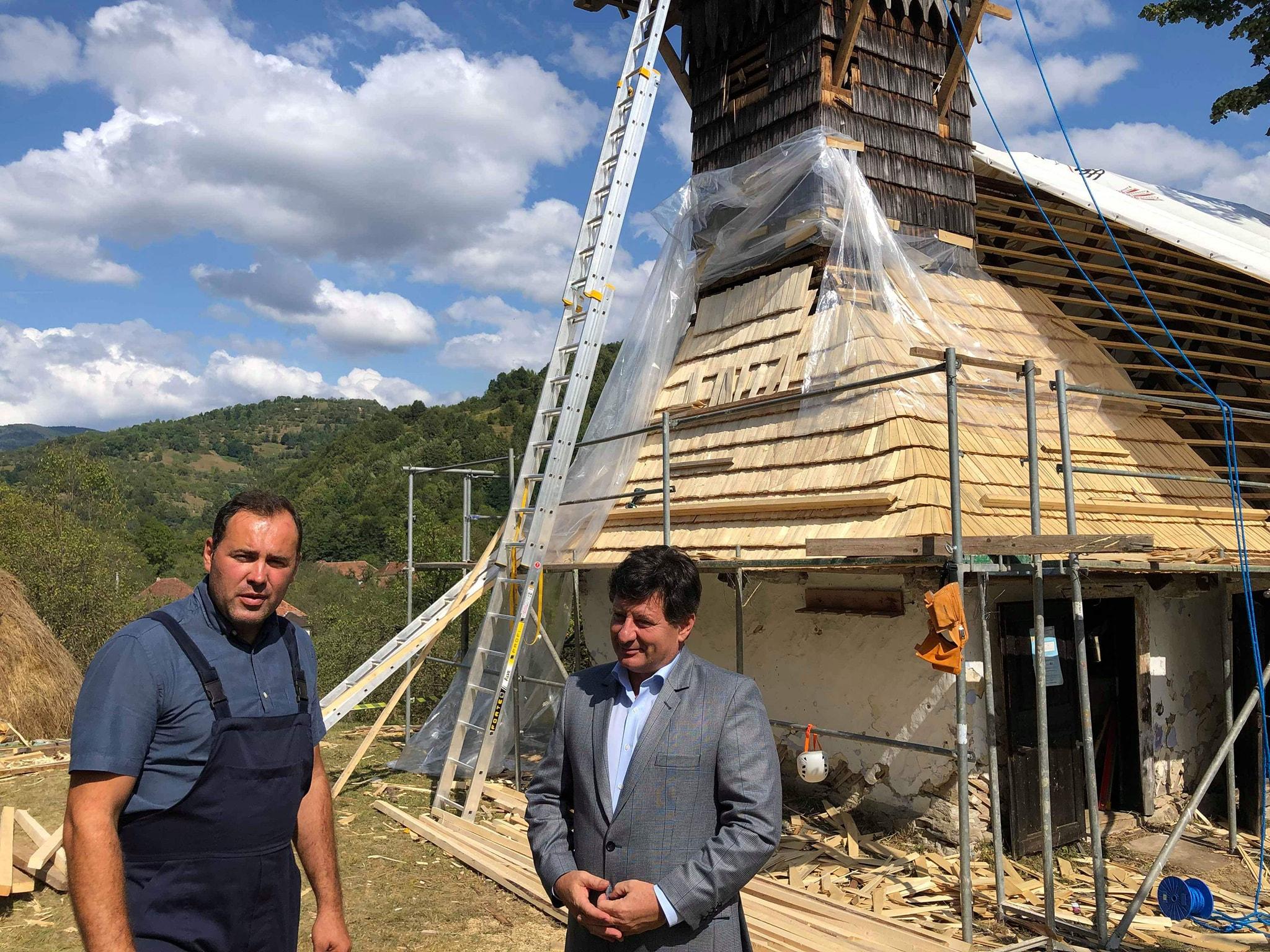 Muncim pentru salvarea unei valori arădene! Biserica din Luncșoara, restaurată și cu ajutorul Consiliului Județean Arad!