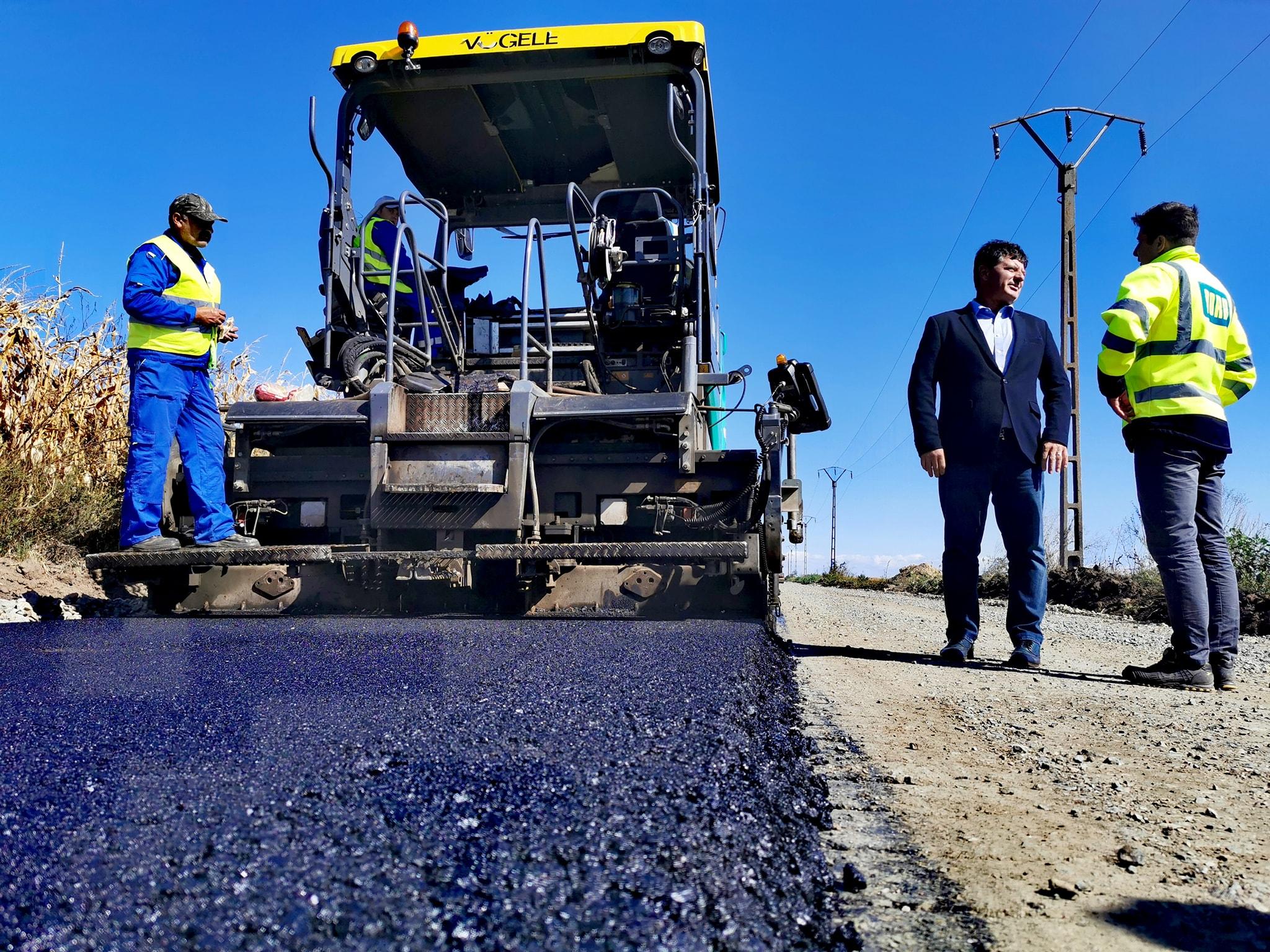 """Iustin Cionca: ,,În noiembrie încheiem modernizarea drumului județean Grăniceri – Pilu"""""""