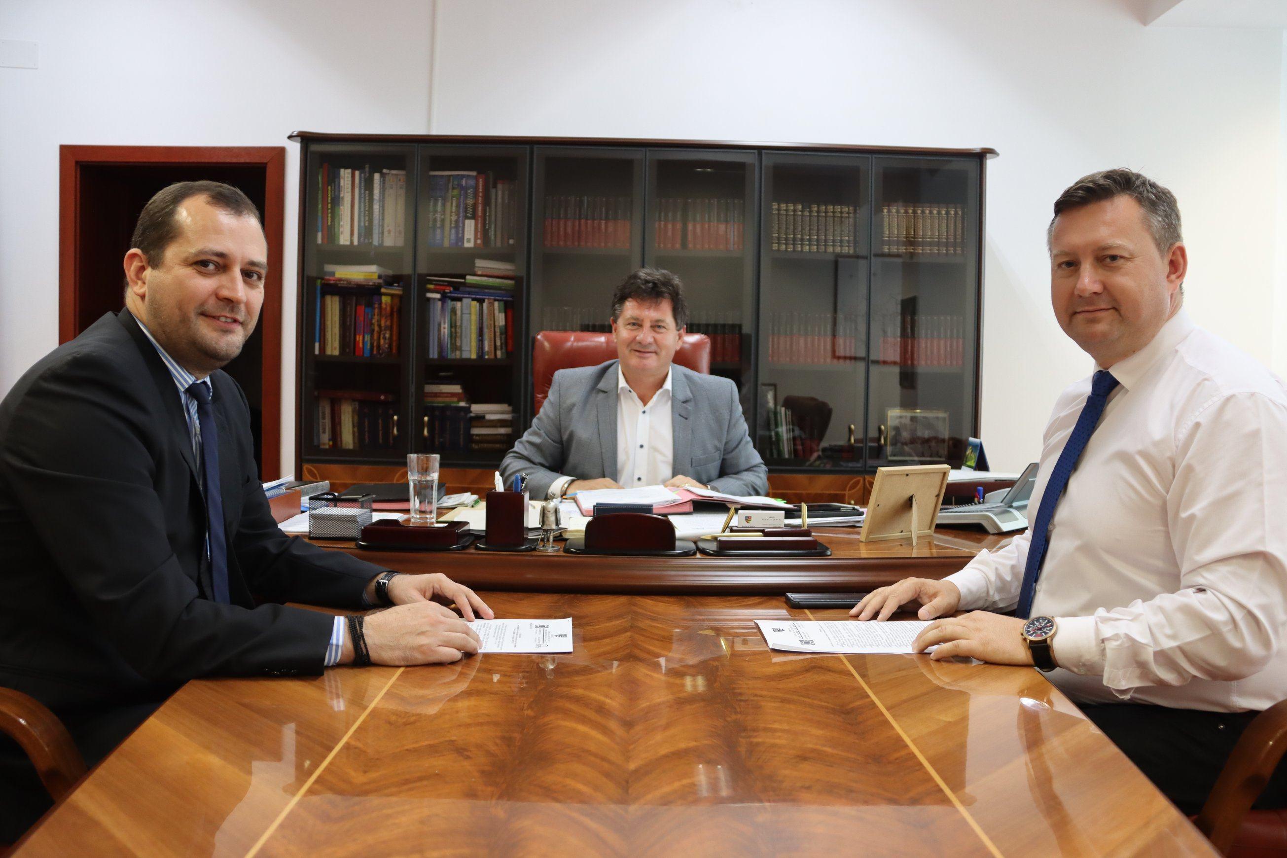 """Răzvan Cadar: ,,Consiliul Județean Arad modernizează Muzeul din Lipova"""""""