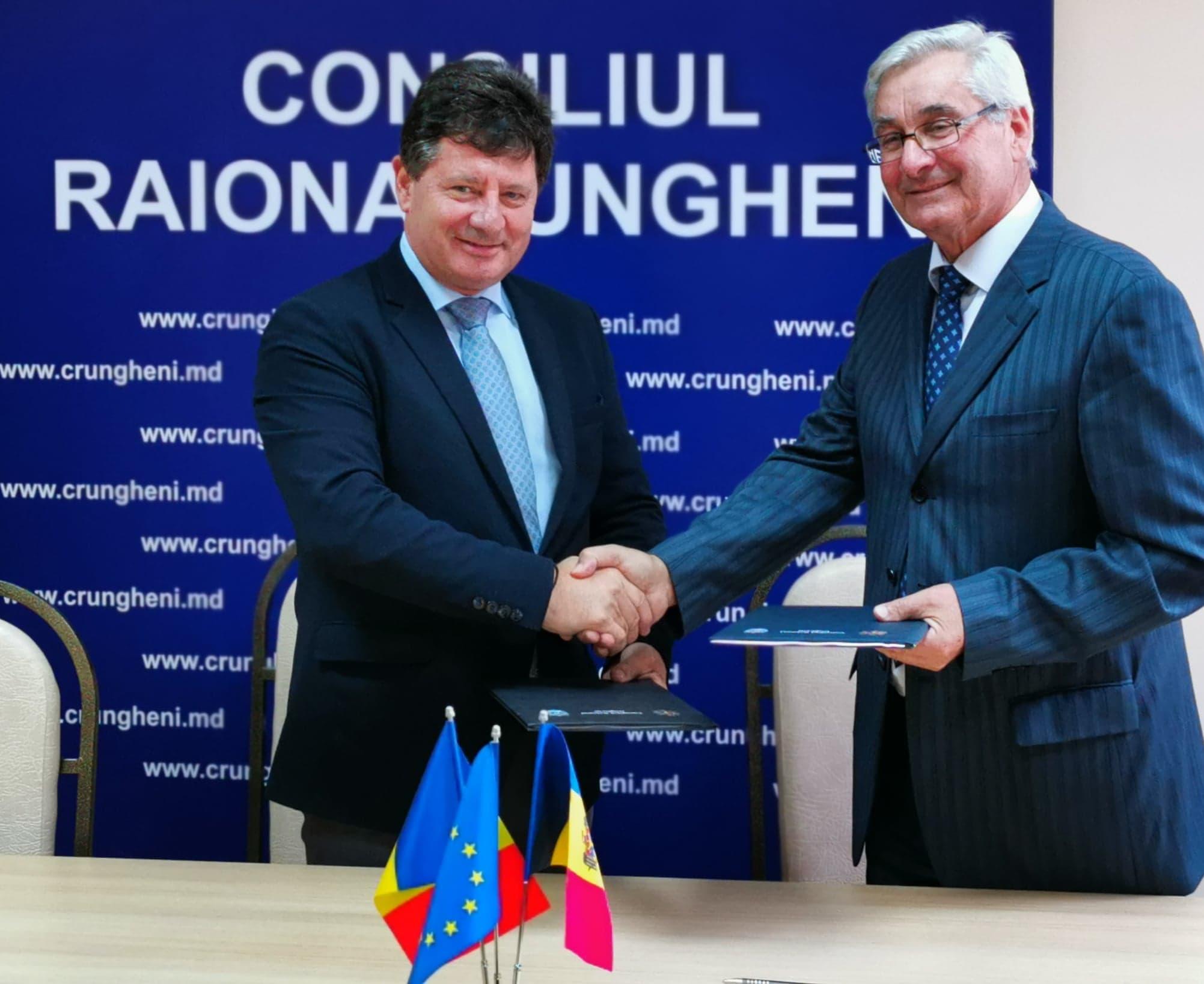 Iustin Cionca a prelungit acordul dintre Arad și Ungheni (Republica Moldova)