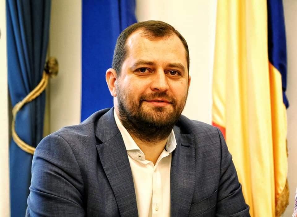 Răzvan Cadar: Invit arădenii să se distreze ca în Occident