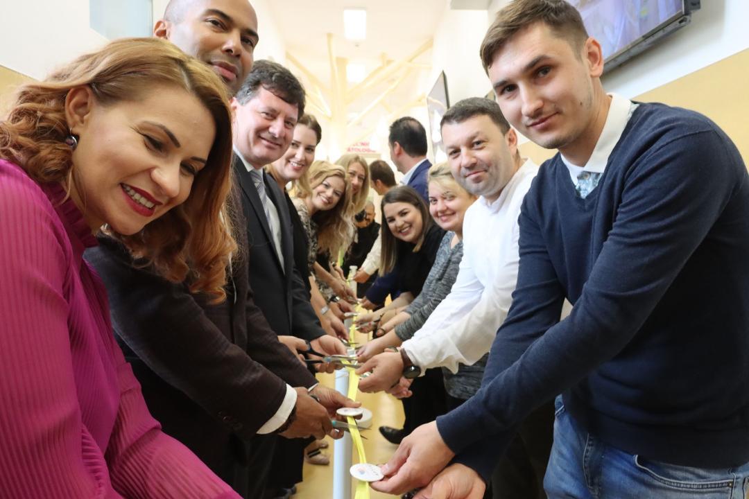 Iustin Cionca a prezentat astăzi, cu Cetatea Voluntarilor şi compania Aptiv, cum arată secţia modernizată de Neonatologie!