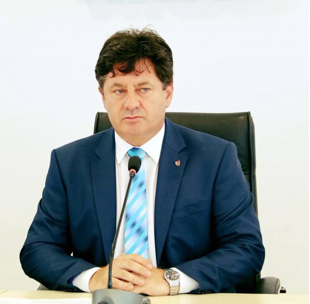 """Iustin Cionca: """"Situația drumului județean Arad-Șiria-Pâncota trebuie să determine o schimbare la nivel național, în favoarea administrațiilor locale!"""""""