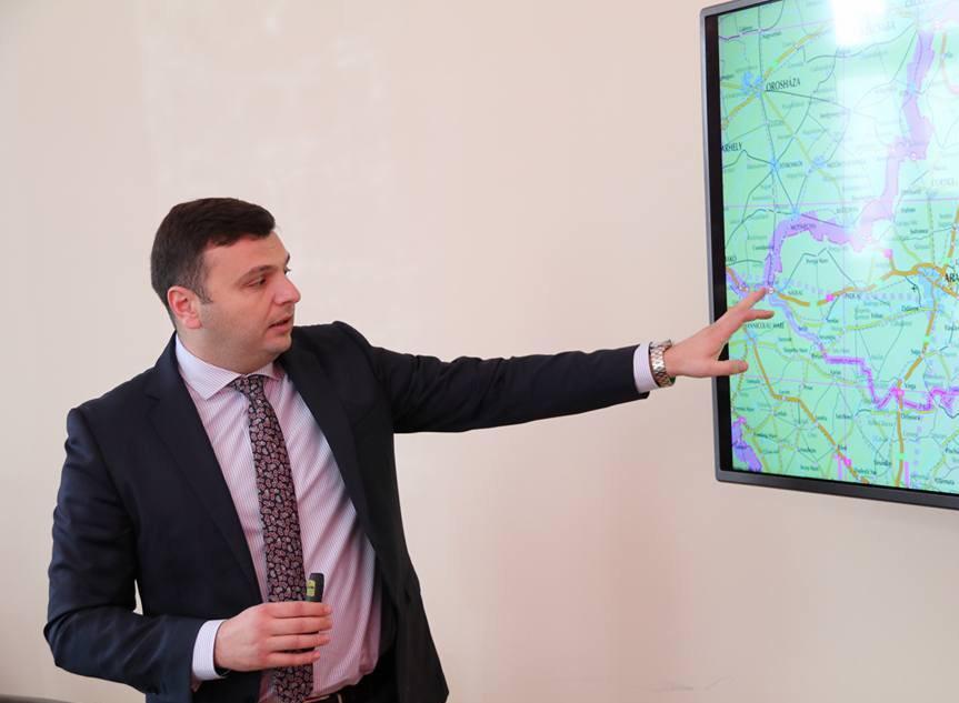 Sergiu Bîlcea, vicepreședintele Consiliului Județean Arad, anunță finalizarea lucrărilor la drumul județean Sintea Mare-Șepreuș