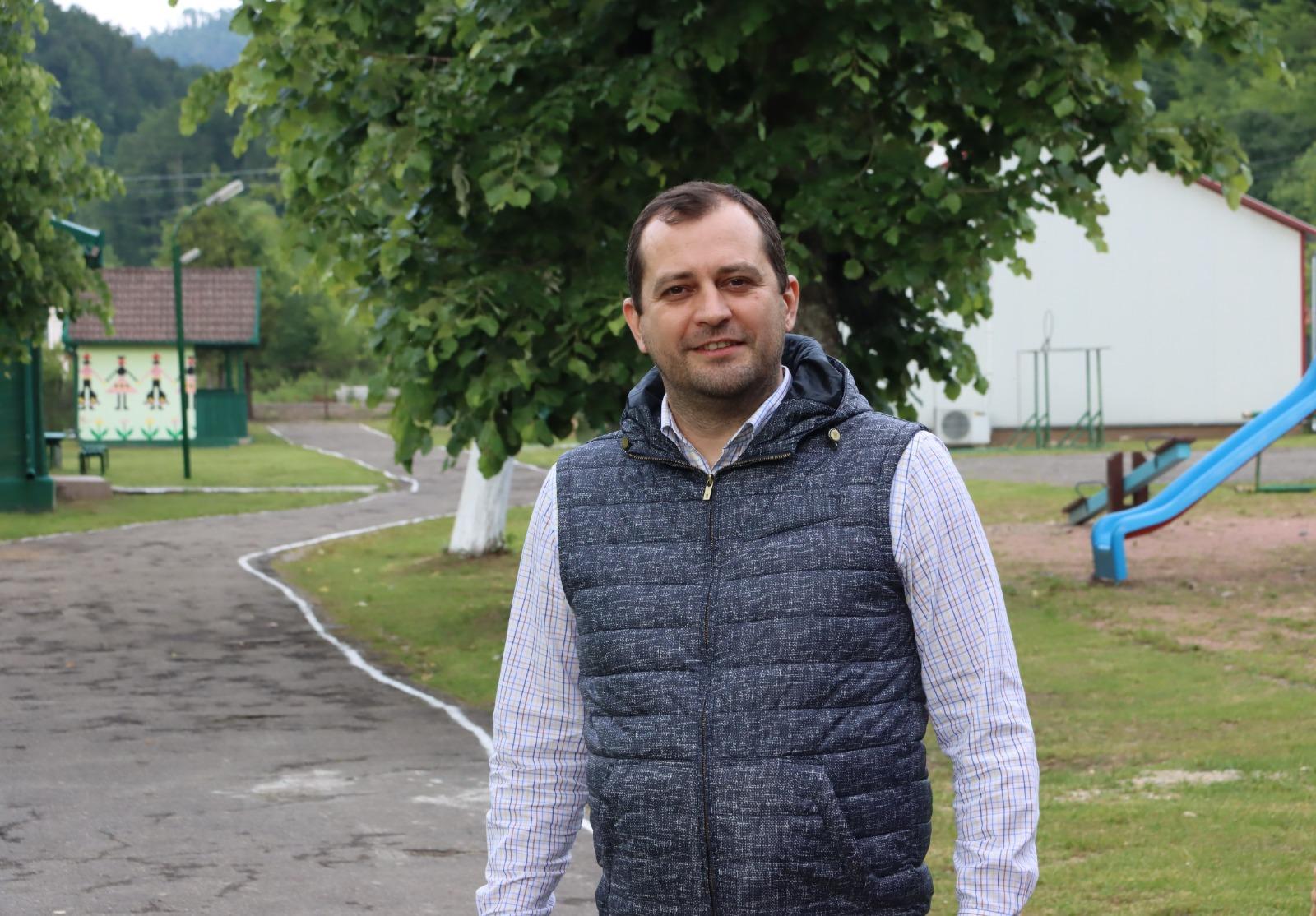 """Răzvan Cadar: """"Moneasa are nevoie de un alt primar, nu numai de bani!"""""""