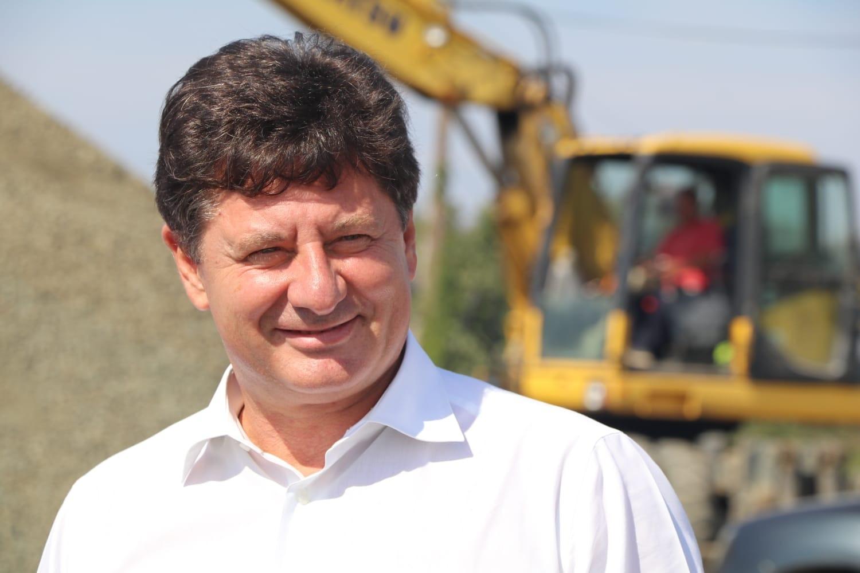 """Iustin Cionca: ,,Se asfaltează zilnic pe Arad-Pâncota!"""""""