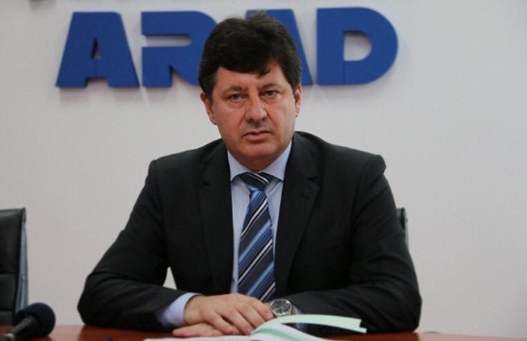 Președintele Consiliului Județean Arad, Iustin Cionca, a numit-o astăzi în funcția de director medical interimar la Spitalul Clinic Județean de Urgență Arad pe dr. Lenuța Timiș, medic epidemiolog.